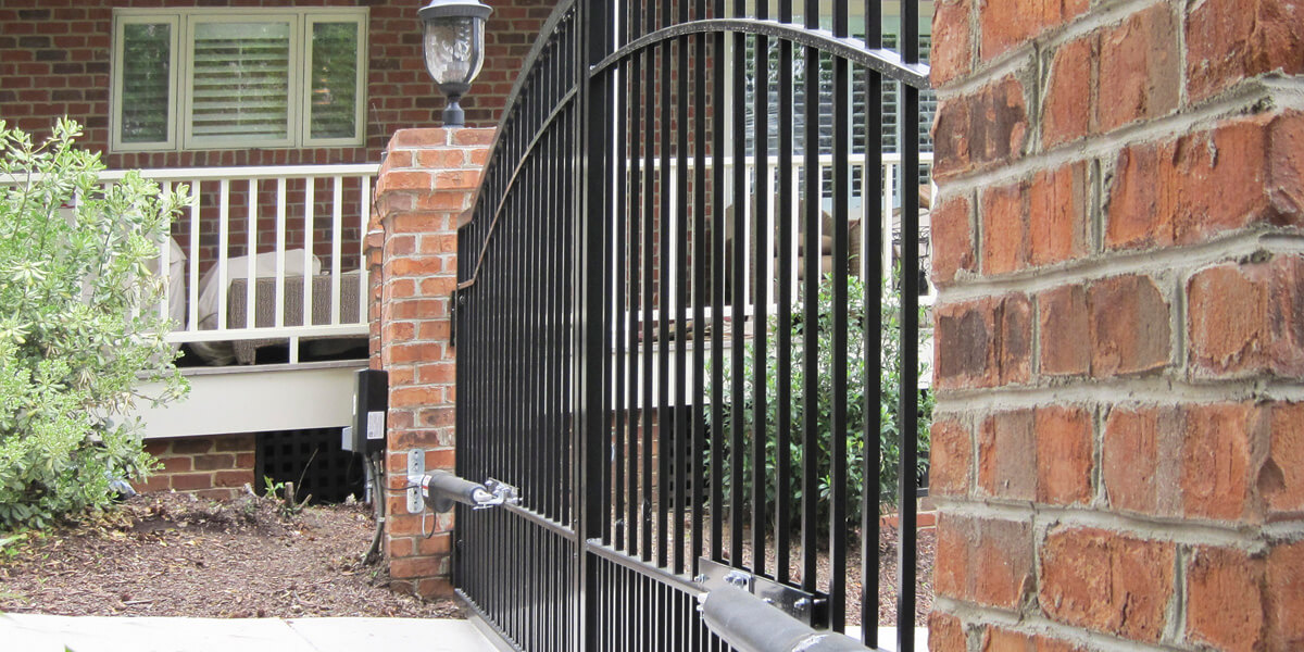 Mighty Mule Biscayne double swing metal driveway gate